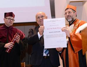 Entrega Diploma de Oro